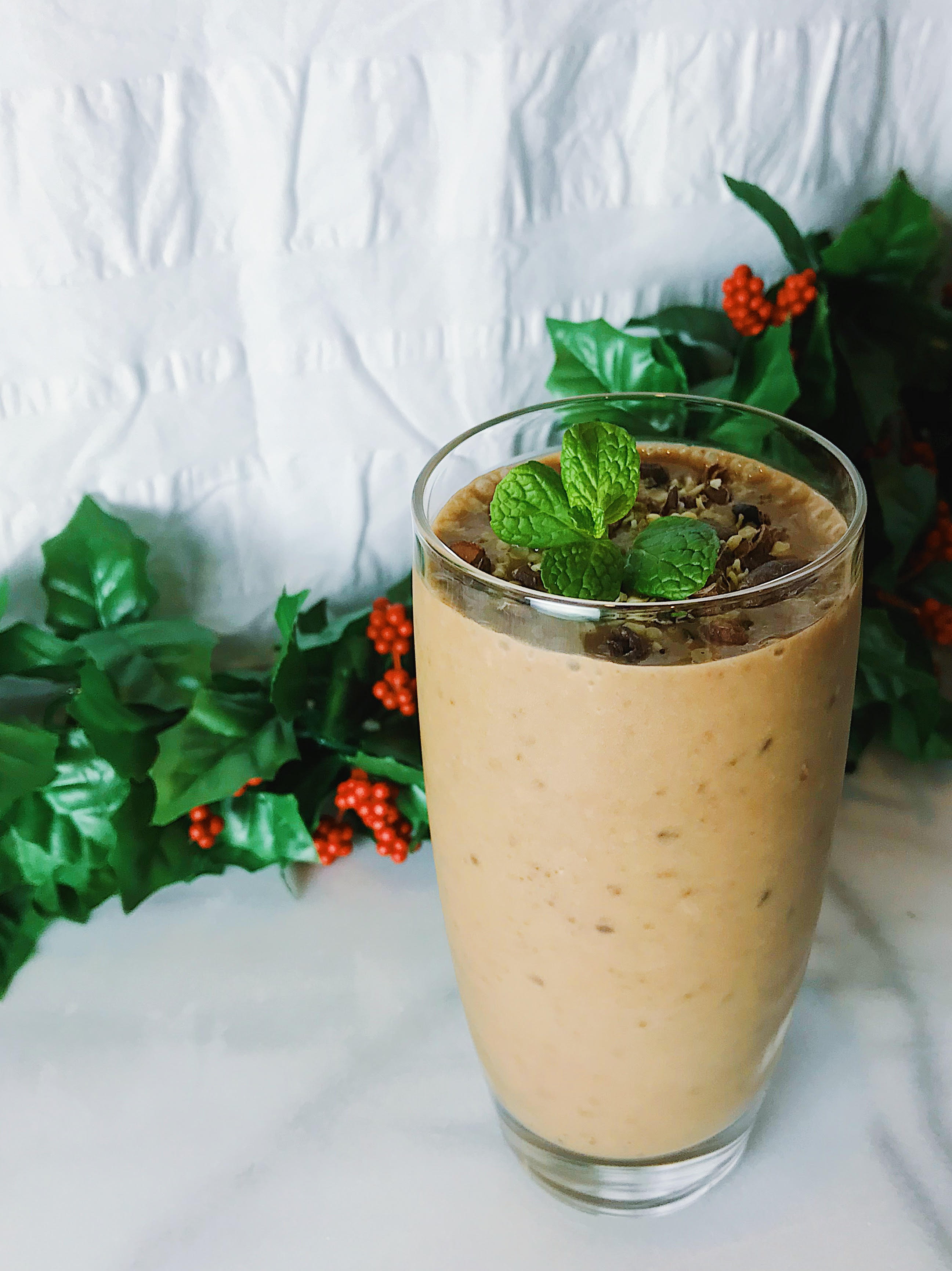 Healthy Vegan Mint Chocolate Chip Green Smoothie
